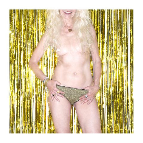 """série """"les culottes de mes copines"""" par le photographe Frederic Bourcier"""