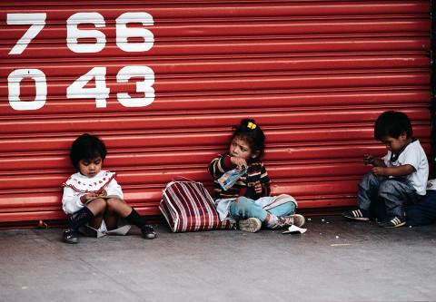 guatemala-ninas-en la-calle-2